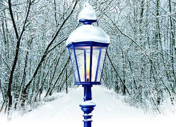 Narnia_Lightpost.jpg